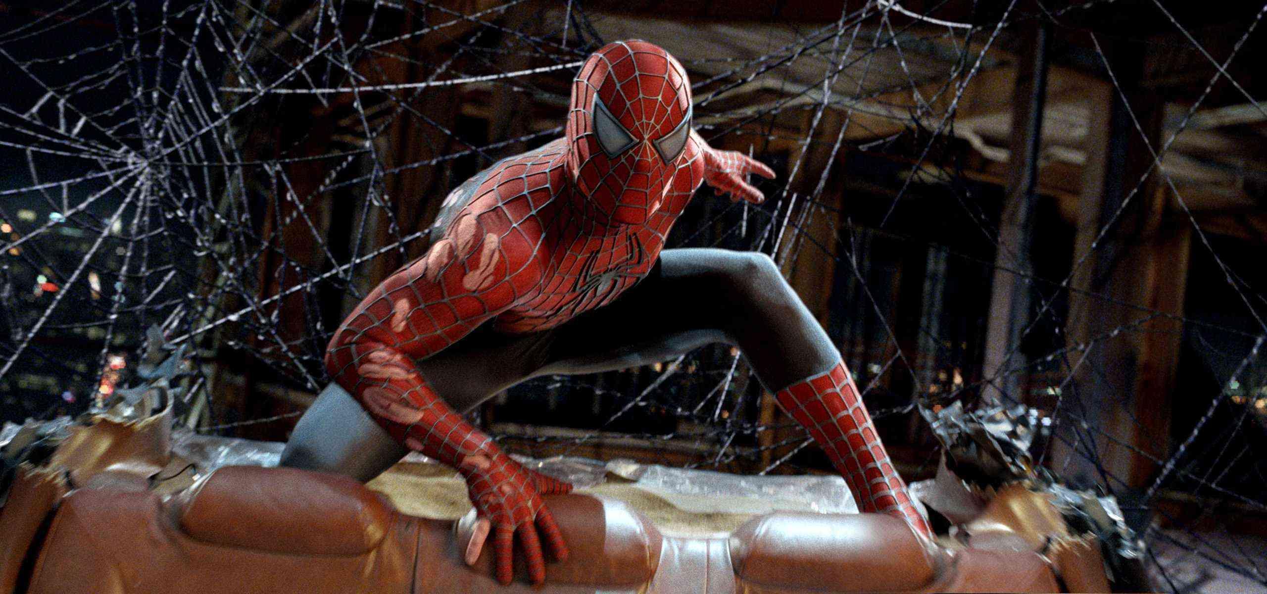 stretching the web (spider-man 3, 2007)   tripping through gateways