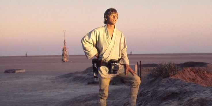Mark-Hamill-as-Luke-Skywalker-in-Star-Wars-A-New-Hope