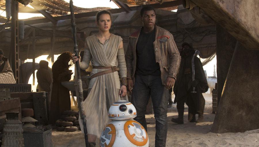 The_Force_Awakens_Rey_Finn_BB8